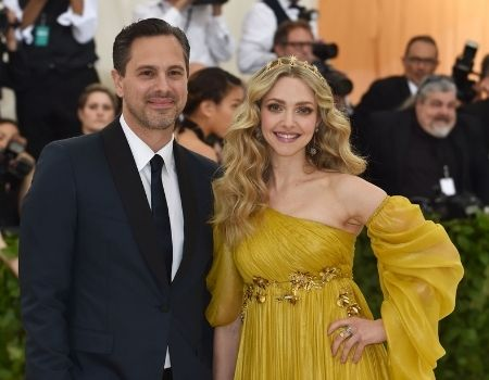Who is Amanda Seyfried's husband Thomas Sadoski?